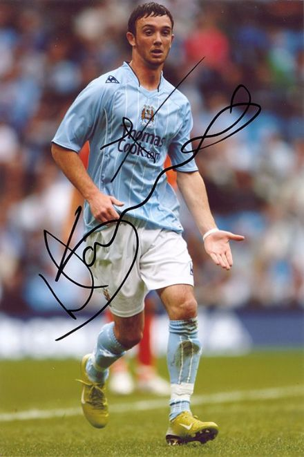 Stephen Ireland, Manchester City & Republic of Ireland, signed 12x8 inch photo.
